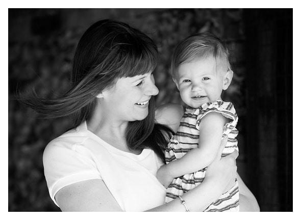 mum and daughter Outdoor family photo session