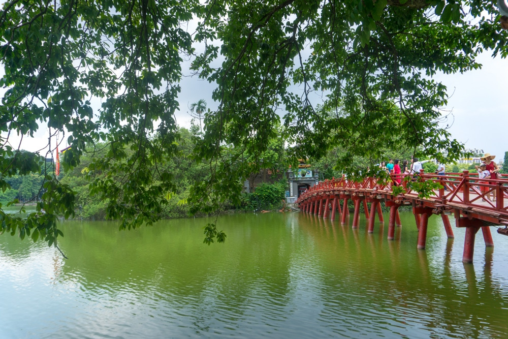 Hoàn Kiếm Lake by day