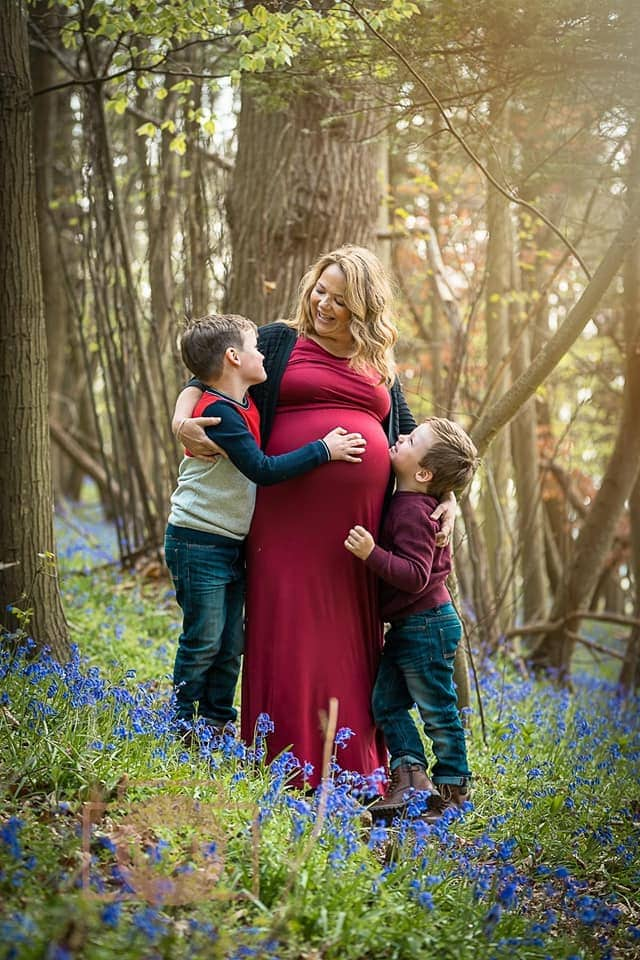 maternity shoot in the bluebells